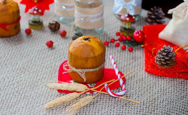 mini panetone com decoracao de natal 134731 1348 - Natal: Segredo para Faturar Alto nesse Natal com Panetones!!